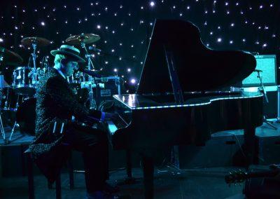 Elton 9