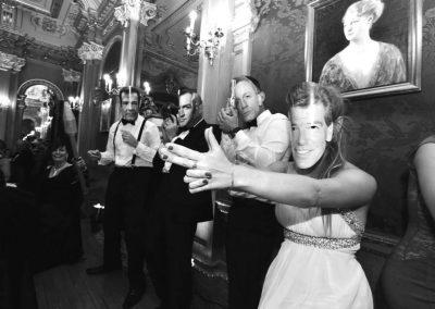 Forever Bond Live Photo 1